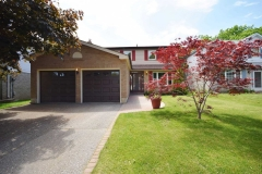 Real Estate Listing  645 Cowan Circ Pickering